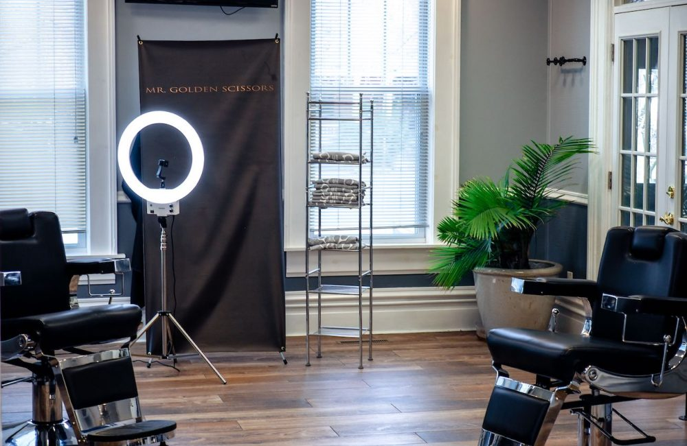 Hair Studio – Mr. Golden Scissors